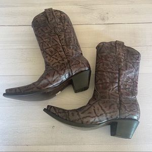 Women's CORRAL Cowboy Boots size 6.5 Pointed Toe